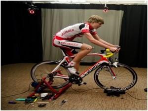Ciclista entrenando con marcadores (http://goo.gl/GFaSux)